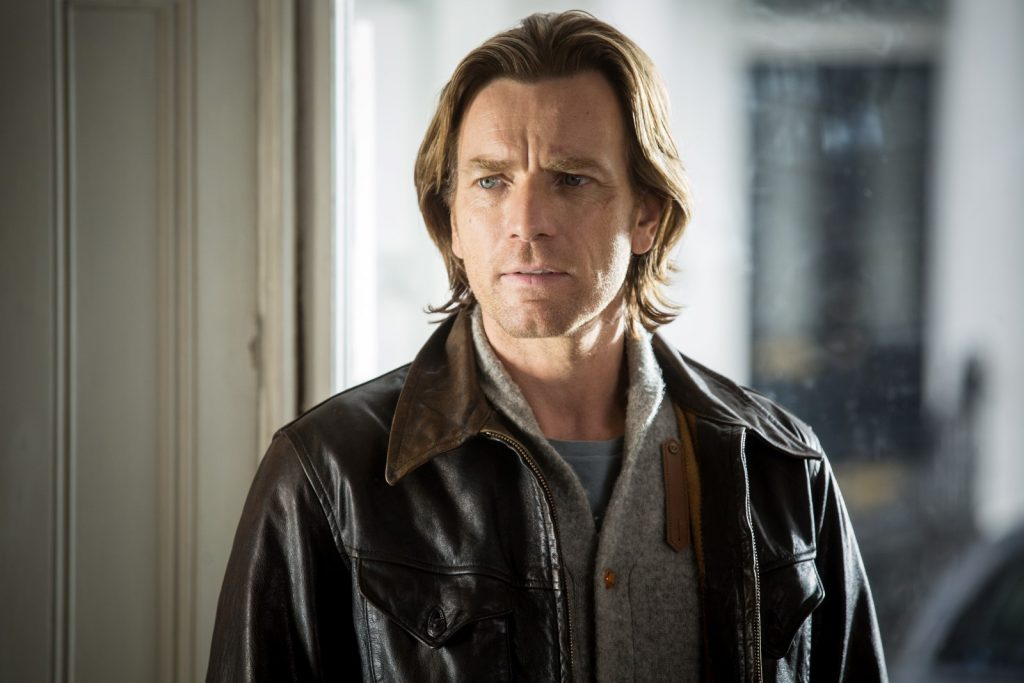 Perry (Ewan McGregor)