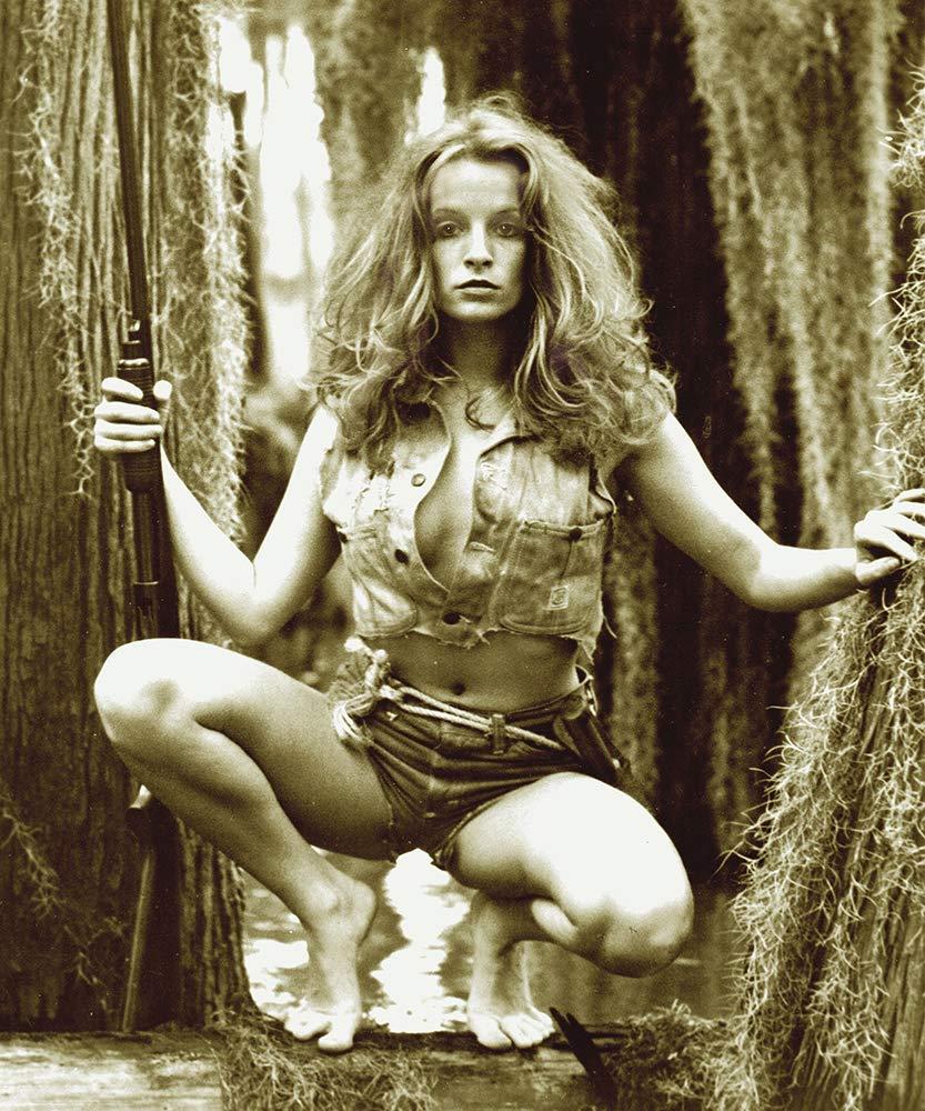 Urwa Hocane,Deborah Adair Hot movies Scarlett Johansson,Melissa Peterman